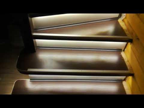 Освещение лестницы светодиодной лентой.