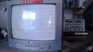 (18)# TV PHILCO TP 1452-53-54 COM TELA CLARA COM LINHAS DE RETRAÇOS.
