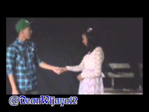 """Download Dean Wijaya Singing """"Tak Pernah Setengah Hati"""" Kabaret Elektronika Pesawat Udara 1"""