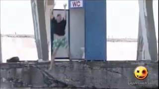 From the toilet to the sea - HAHAHAHAHA