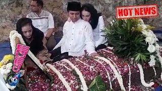 Hot News! Tangis Emil Dardak di Hadapan Makam Sang Adik Tercinta - Cumicam 13 Desember 2018