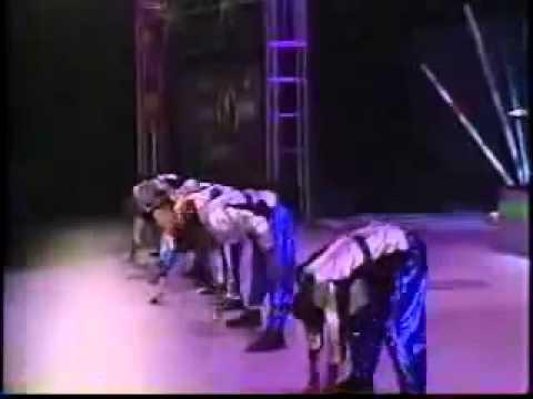 """Vanilla Ice - """"Ice Ice Baby"""" (Live - 1991)"""