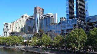 Melbourne - walk along the river