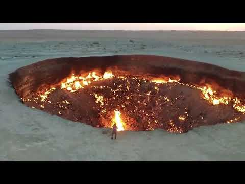 Door to Hell ll Darvaza Gas Crater, Turkmenistan
