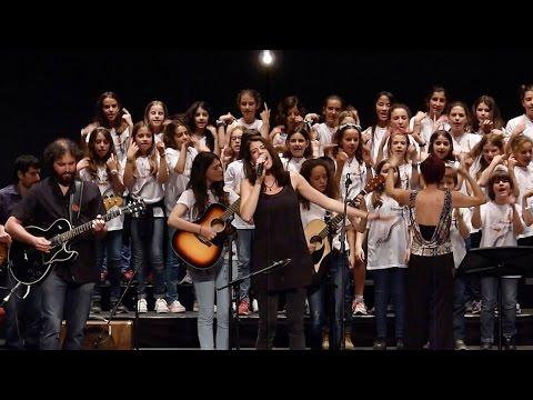 Més de 5.000 alumnes fan vibrar el pavelló de Fontajau de Gironaиз YouTube · Длительность: 4 мин30 с