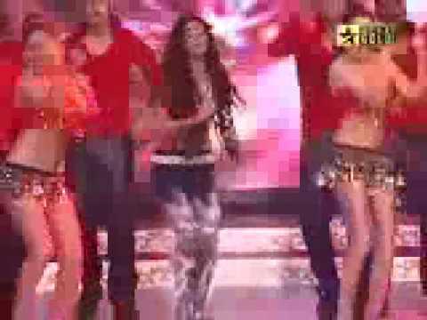 Jiah Khan Performs 'Latoo' Live