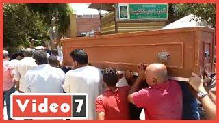 صلاة الجنازة على جثمان سمير الأسكندرانى فى ساحة مسجد السيدة نفيسة