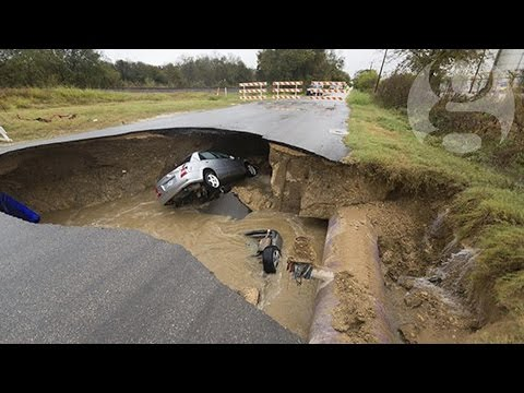 Sinkhole in Texas swallows two cars