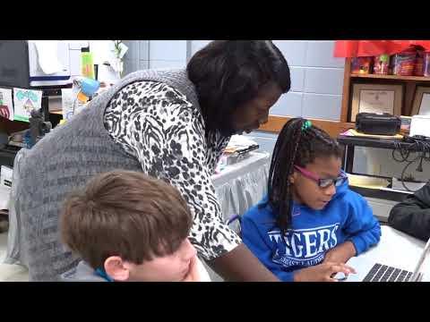 Southeast Middle School teacher Shelia Hodge is the January 2018 Teacher of the month.