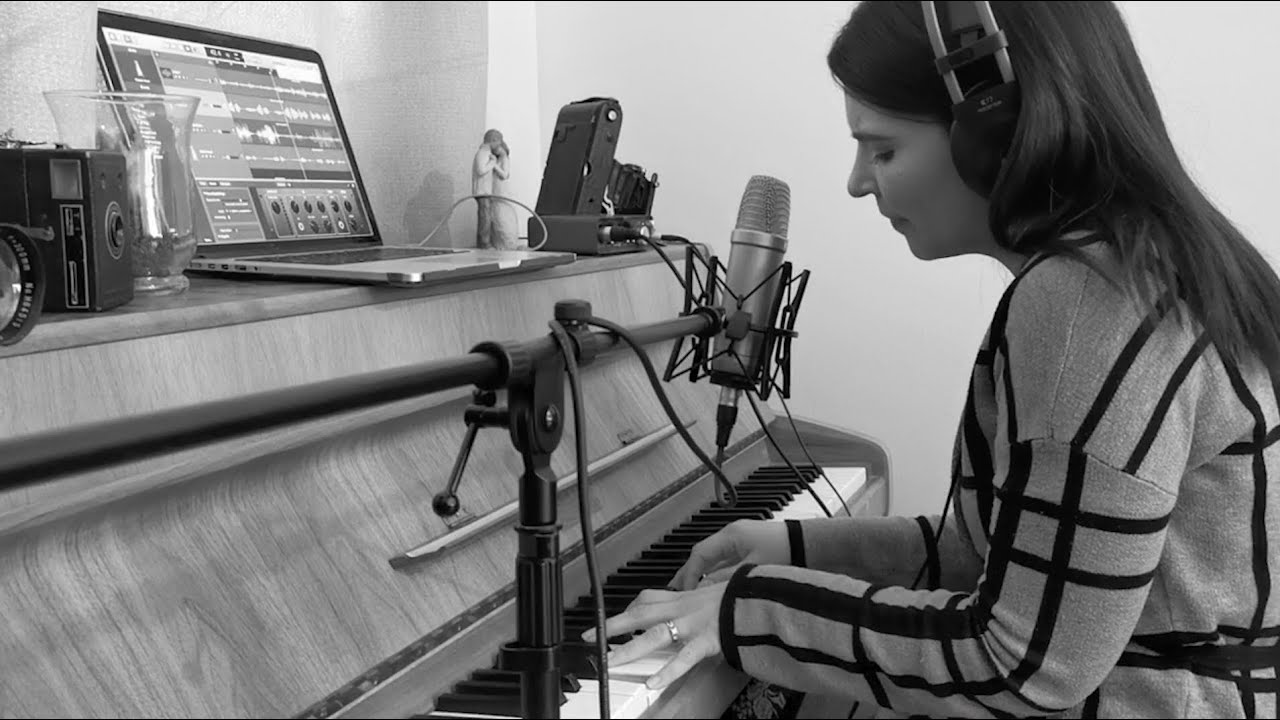 WHATUSEE Office Sessions | Yeshua / Fresh Outpouring (Cover) | Jesus Image / Jesus Culture