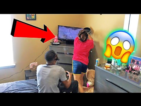 SMASHING MY BOYFRIEND TV !!!