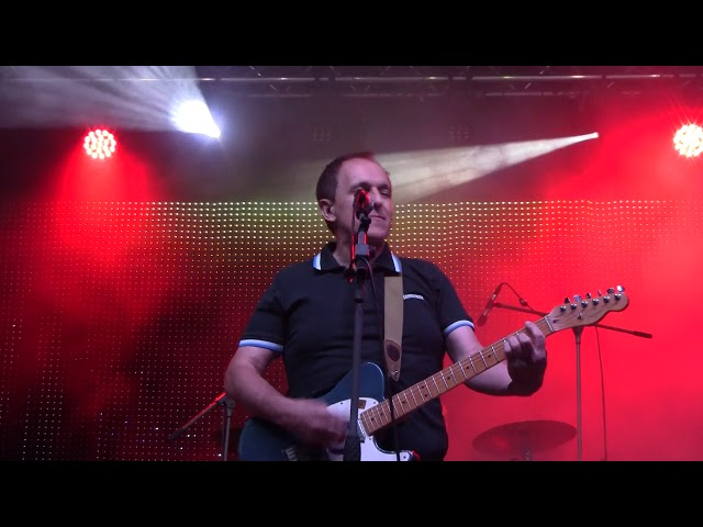 THE YELLOW MELODIES - No more parties - Look back in anger (directo @Contempopránea 2018) (19-7-18)