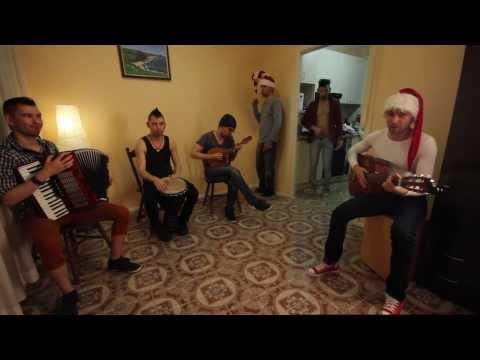 HD: Jingle Bells - multiple me cover - Guitar, Mandolin,Accordion, Djembe, Shaker, Flute