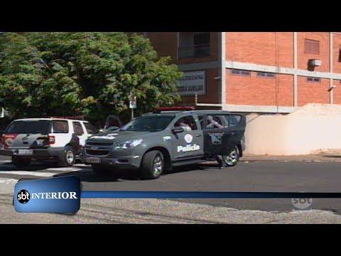 Policiais acusados de extorquir mulher de traficante são presos durante operação