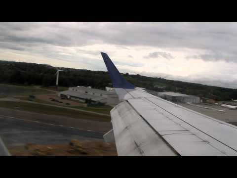 JetBlue Embraer E190 Landing at Burlington, Vermont (BTV)