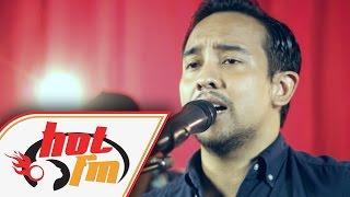 TENGKU ADIL - MASIH BERDIRI (LIVE) - Akustika Hot FM - #HotTV