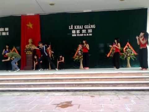 Văn nghệ chào mừng lễ khai giảng năm học 2012 - 2013 Trường THPT Minh Hà