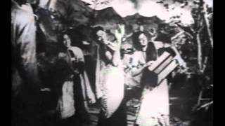 Chup Chup Khade Ho Jarur Koi Baat Hai   Badi Behan  1949
