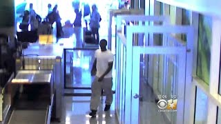 Security Video Shows Man Breach TSA Checkpoint(For one year, the Transportation Security Administration has refused to say how a man managed to get around a security checkpoint and on a plane at ..., 2016-07-23T03:20:24.000Z)