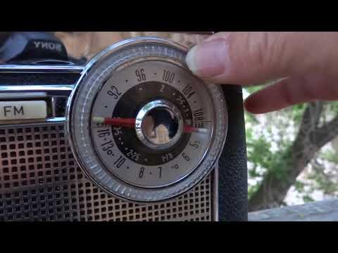 Columbia (Nordmende) Triumph AM/FM/SW Radio 1960 or so scannies