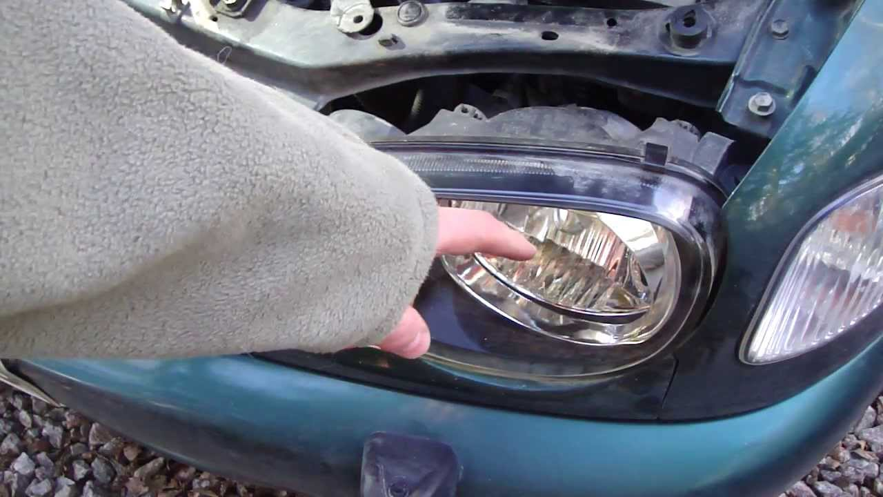 How To Replace Headlight And Bulbs Toyota Corolla Year Models 1996 2002 22 You