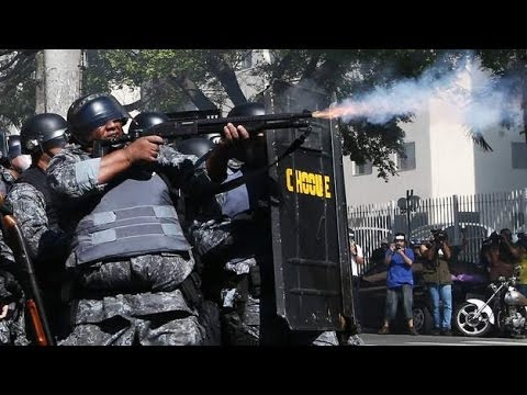 Stun Grenades Fired At World Cup Protesters In Sao Paulo