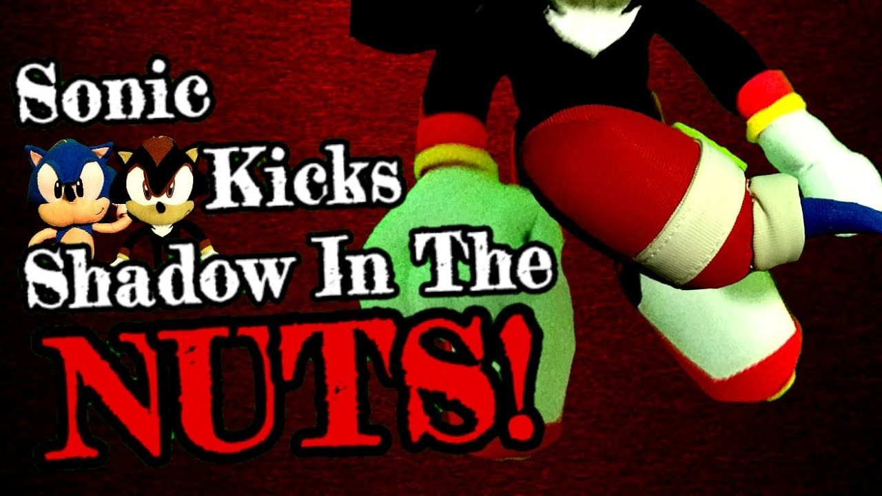Sonic The Hedgehog Short Sonic Kicks Shadow In The Nuts Youtube
