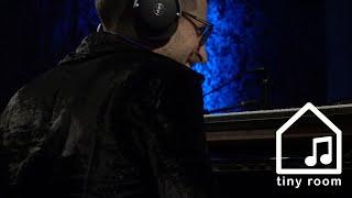 July Play - Greg Spero, MonoNeon, Ruslan Sirota, Ronald Bruner Jr. (Tiny Room Live Performance)