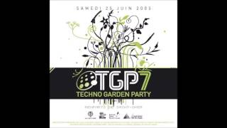 DJ Mary - Live @ Techno Garden Party 7 - Saint Omer, France 25.06.2005.