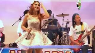 Download Nella Kharisma - Cinta Tak Terbatas Waktu [OFFICIAL]