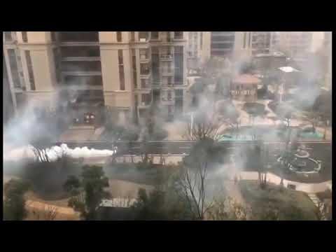 Corriere della Sera: Wuhan, autopompa sparge disinfettante nelle strade della città in quarantena