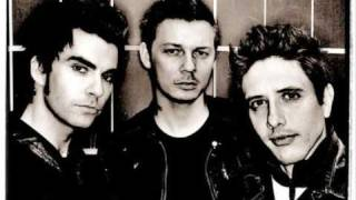 Watch Stereophonics Check My Eyelids For Holes video