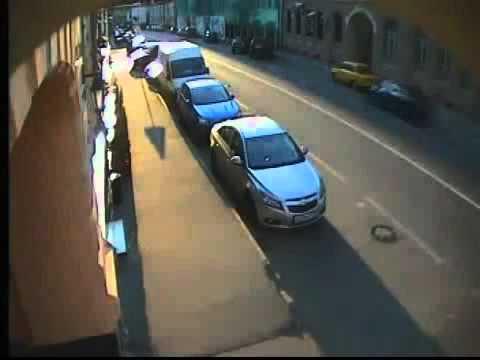 Siêu xe gây tai nạn kinh hoàng giữa trung tâm Mátxcơva
