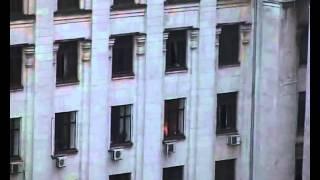 Одесса дом профсоюзов ПОЛНОЕ ВИДЕО(В ходе массовых столкновений между сторонниками единства Украины и сепаратистами в Одессе был совершен..., 2014-05-02T19:20:31.000Z)