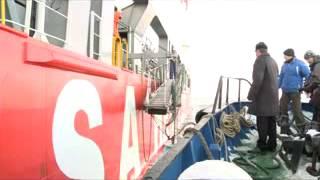 На Камчатку доставлены самоходные баржи.flv(Суда были построены в Кировской области на Сосновском судоремонтном заводе по уникальному проекту, которы..., 2013-01-27T23:54:28.000Z)