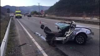 Makina ndahet në dysh, pamje të frikshme nga aksidenti ku mbeti një viktimë