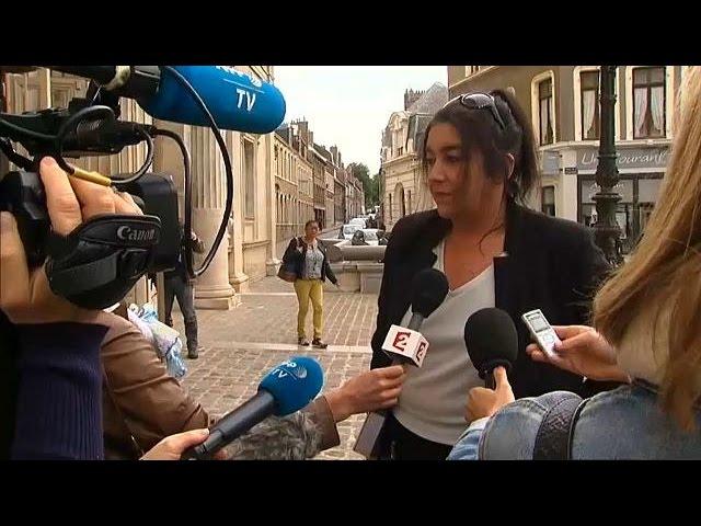 <h2><a href='https://webtv.eklogika.gr/gallia-enochi-alla-choris-pini-gyneka-pou-voithouse-metanastes' target='_blank' title='Γαλλία: Ένοχη αλλά χωρίς ποινή γυναίκα που βοηθούσε μετανάστες'>Γαλλία: Ένοχη αλλά χωρίς ποινή γυναίκα που βοηθούσε μετανάστες</a></h2>
