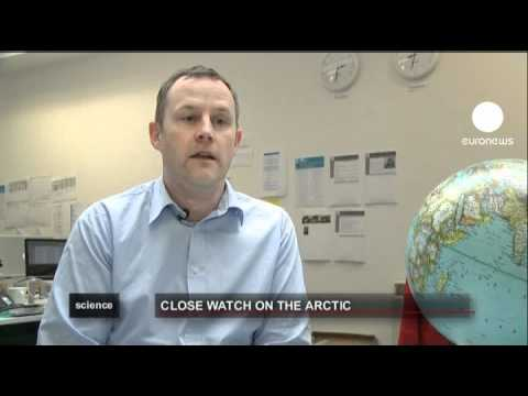 euronews science - Explorers survey climate change in the Arctic
