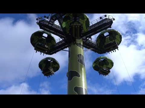 Disneyland Paris - Attraction Toy Soldiers Parachute Drop (onride) HD