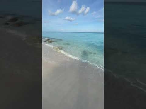 Bahamas - Radio Beach