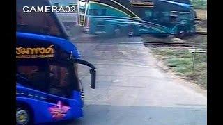 مقتل 3 اشخاص في حادث اصطدام حافلة في تايلاندا   3-4-2016