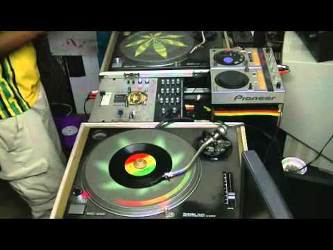 Mix Reggae Session Roots 80's - Selecta Douroots