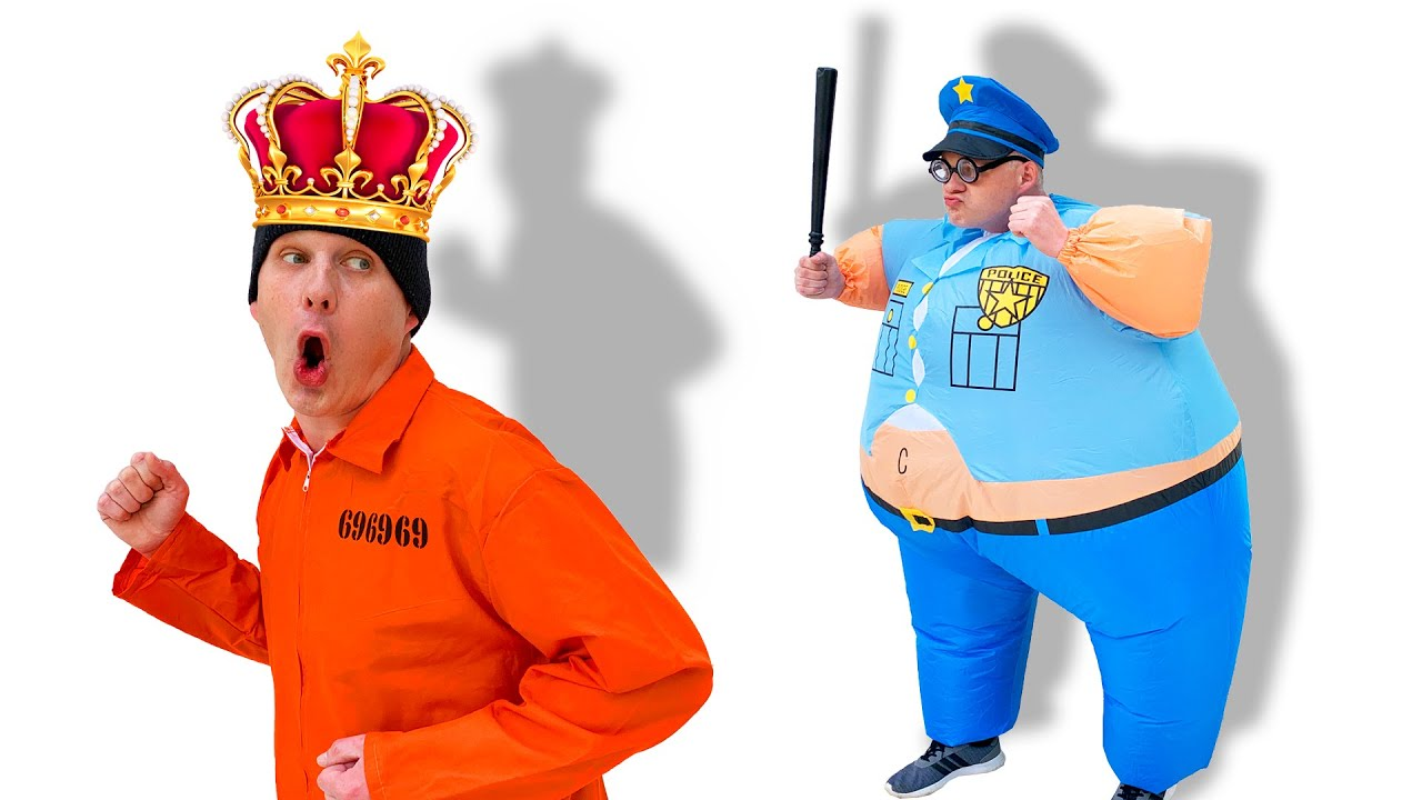 Pretend play police the crown witn diamond was stolen