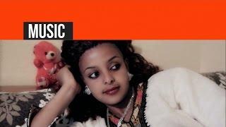 Mussie Gebrekrstos - ድንግል ዝፋንኪ / Dngel Zufanki - (Official Video) - New Eritrean Music 2014