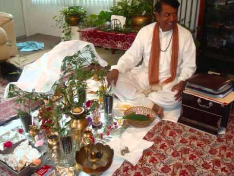 Bharosa Kar Tu Ishwar