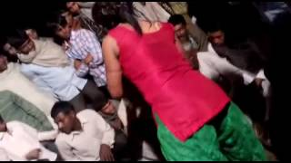 vuclip Sexy dance of a hot Indian girl video