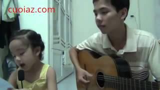 Anh đàn ghi ta em gái hát