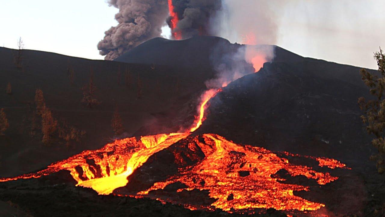 Download 🚨 ÚLTIMA HORA: La Erupción Volcánica forma BLOQUES Gigantes de LAVA (Palma) Noticias Volcán España