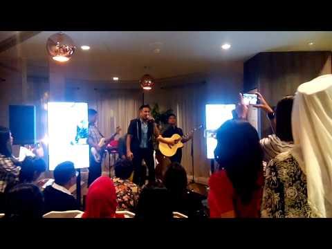 """Bukan Untuk Ku"" Live at 101 Cafe"