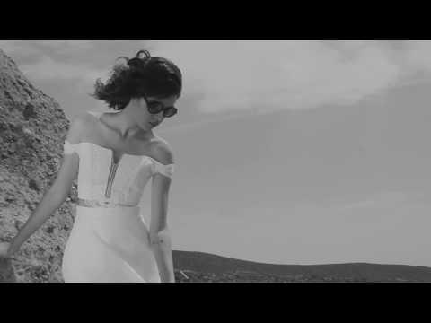 Knight&Bride Amelia Earhart